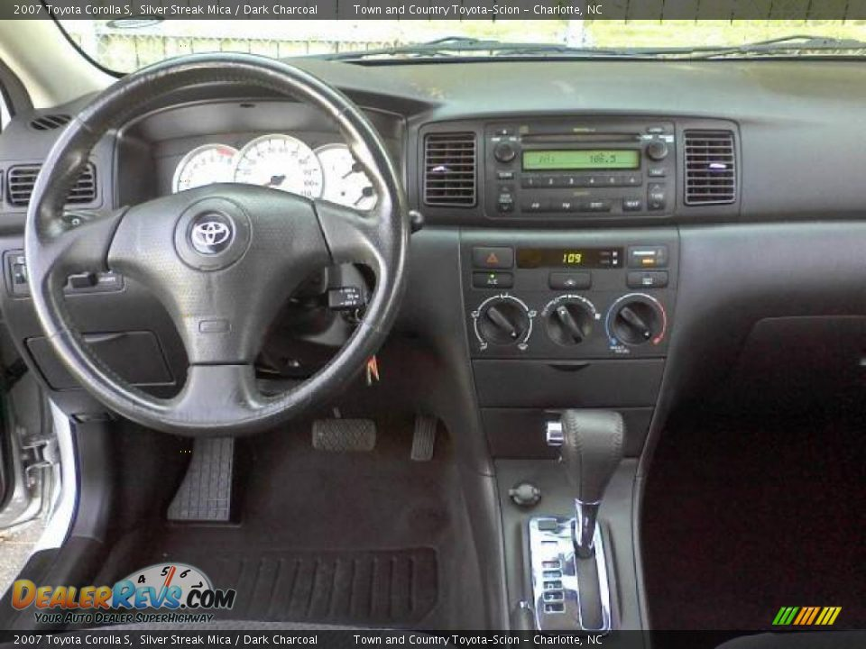 dashboard of 2007 toyota corolla s photo 5. Black Bedroom Furniture Sets. Home Design Ideas