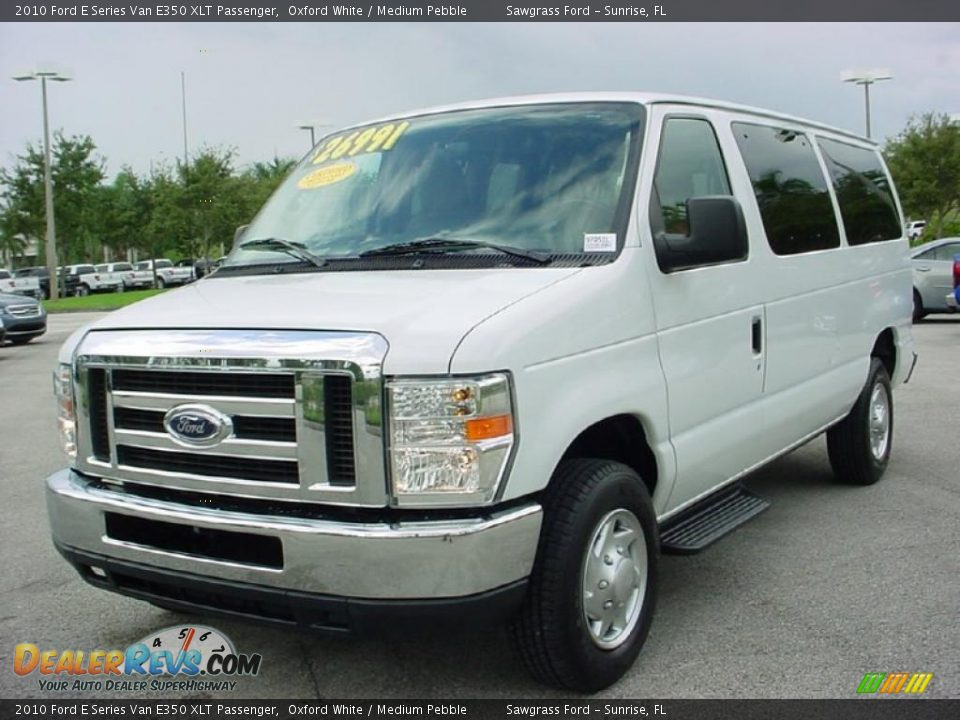 Front 3 4 View Of 2010 Ford E Series Van E350 Xlt