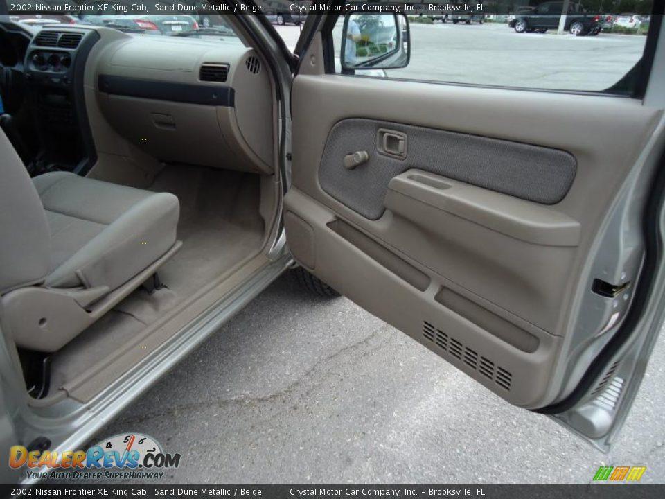Beige Interior 2002 Nissan Frontier Xe King Cab Photo 12