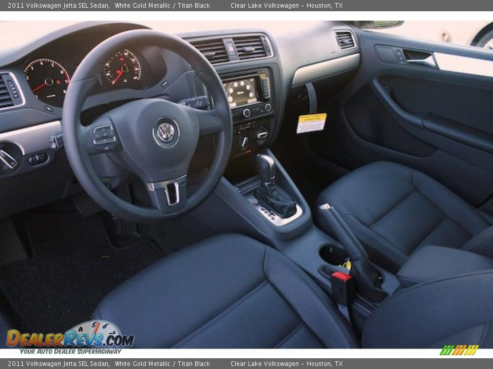 Titan Black Interior 2011 Volkswagen Jetta Sel Sedan Photo 14