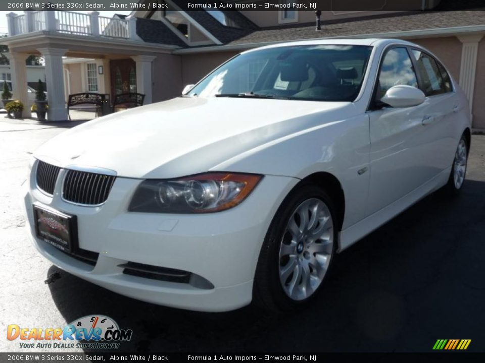 2006 bmw 3 series 330xi sedan alpine white black photo 1. Black Bedroom Furniture Sets. Home Design Ideas