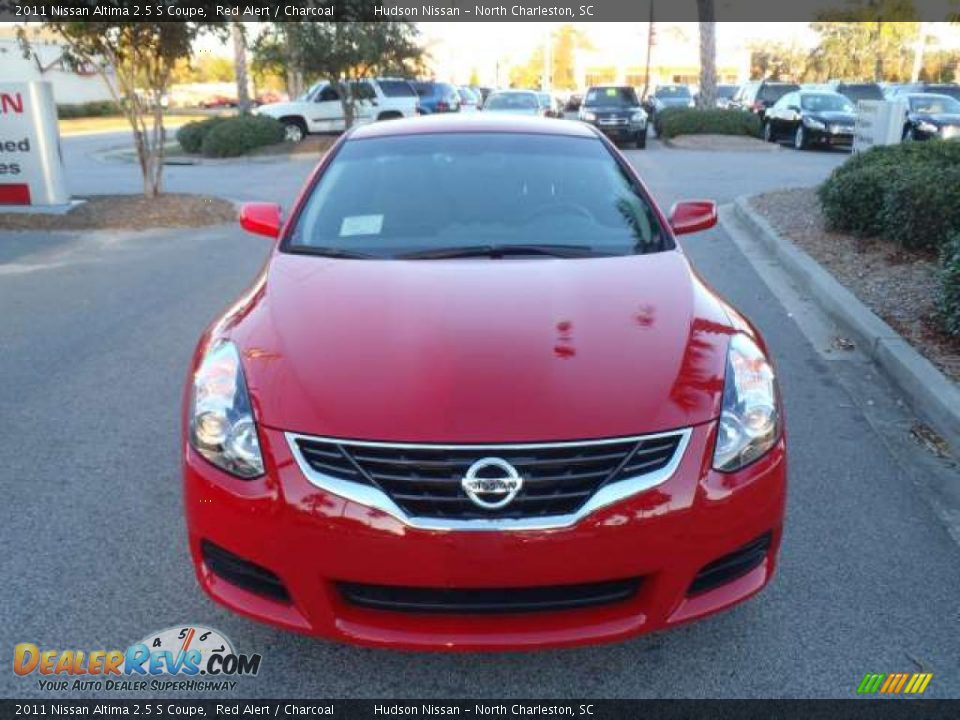2011 nissan altima 2 5 s coupe red alert charcoal photo. Black Bedroom Furniture Sets. Home Design Ideas