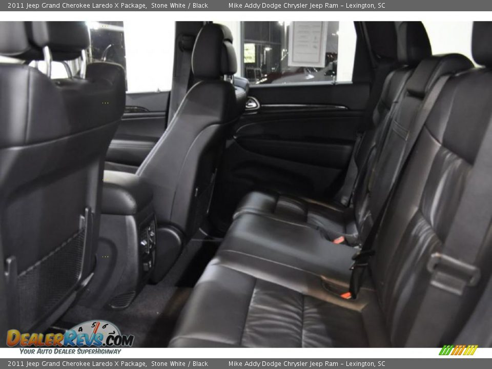 Black Interior 2011 Jeep Grand Cherokee Laredo X Package Photo 17