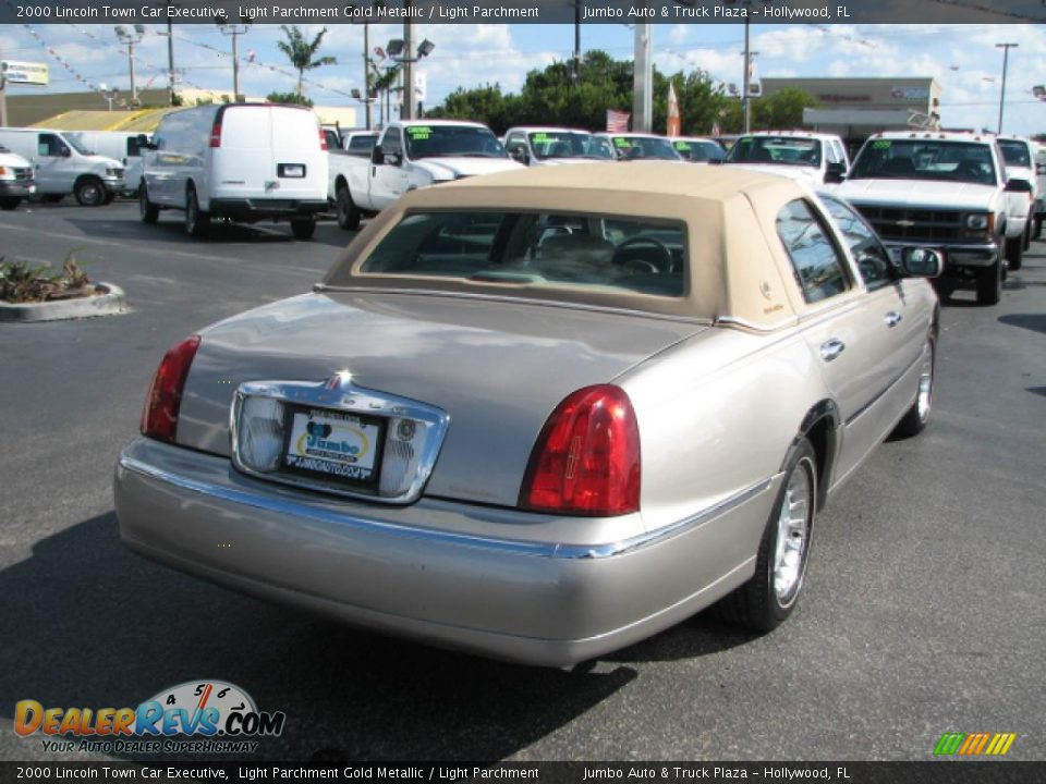 2000 lincoln town car executive light parchment gold for State motors lincoln dealer manchester nh