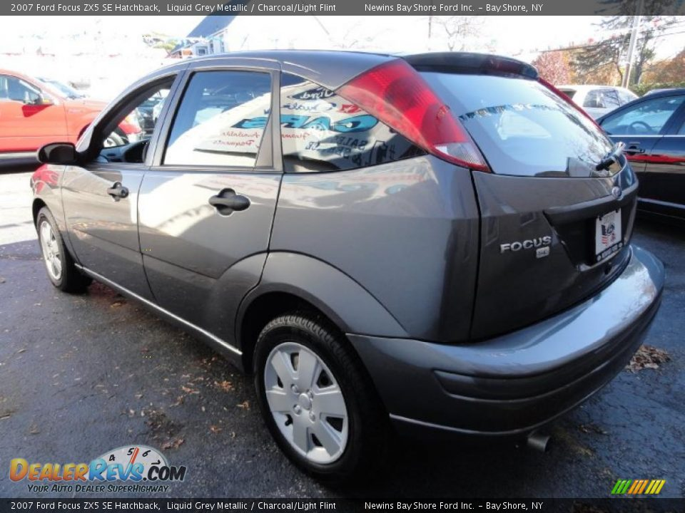 2007 ford focus zx5 se hatchback liquid grey metallic. Black Bedroom Furniture Sets. Home Design Ideas