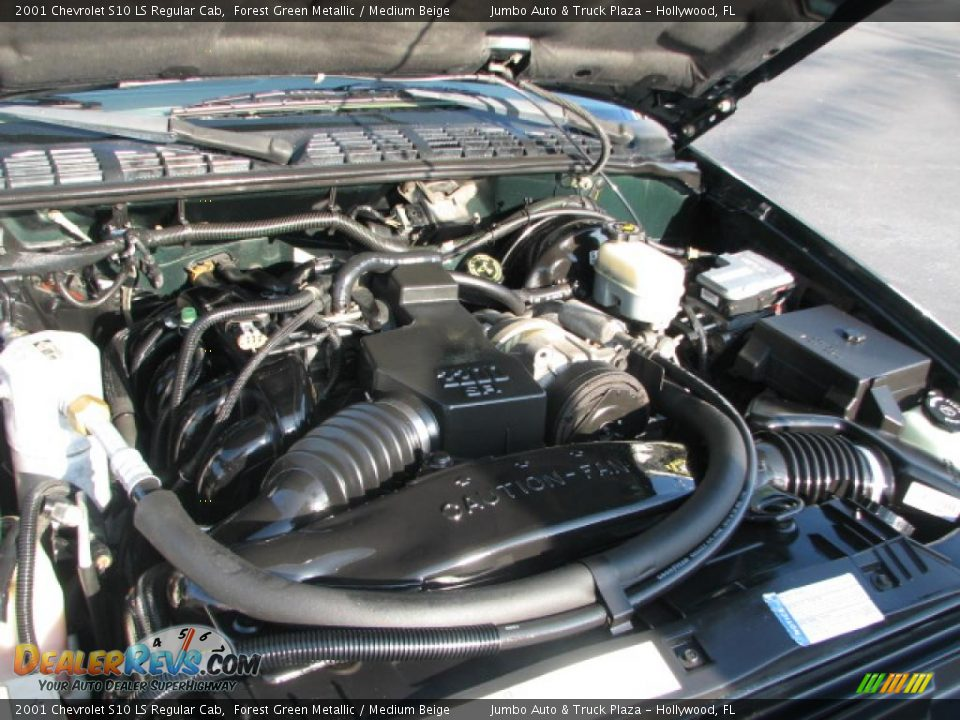 similiar 2 2 chevy engine keywords 2001 chevrolet s10 ls regular cab 2 2 liter 4 cylinder engine photo