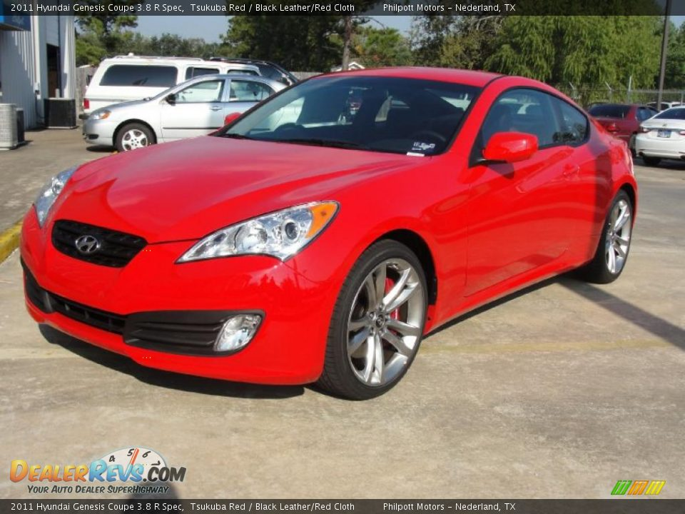 Front 3 4 View Of 2011 Hyundai Genesis Coupe 3 8 R Spec Photo 7 Dealerrevs Com