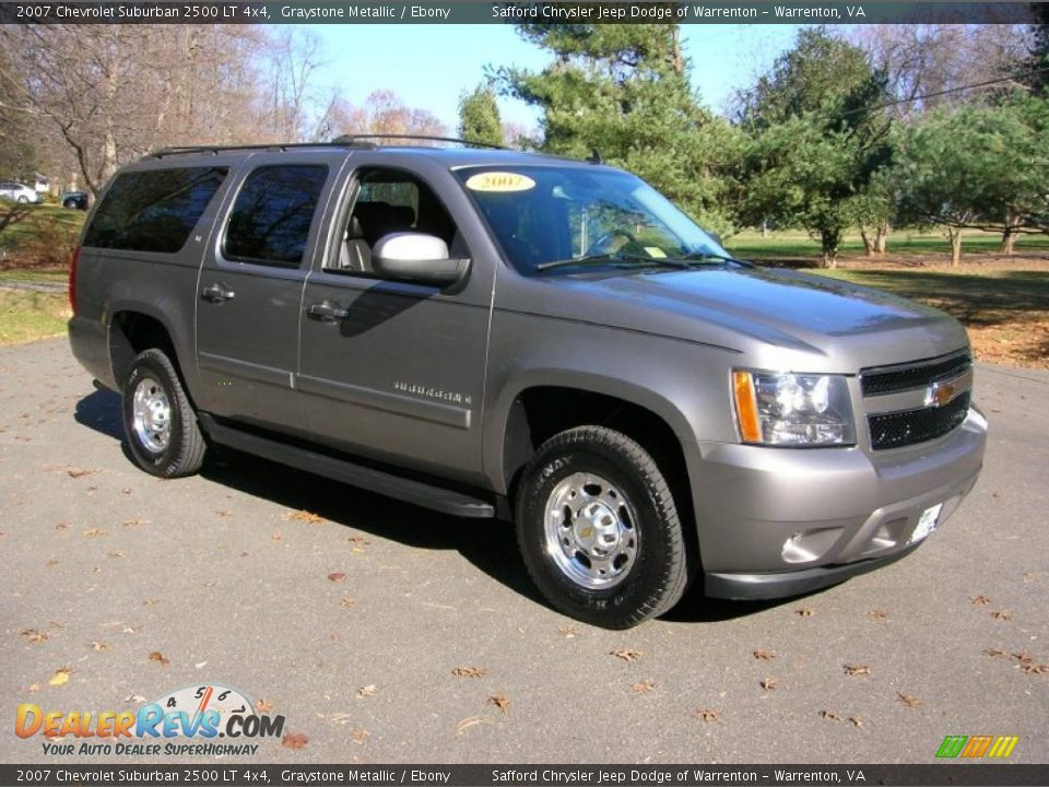 front 3 4 view of 2007 chevrolet suburban 2500 lt 4x4 photo 1. Black Bedroom Furniture Sets. Home Design Ideas