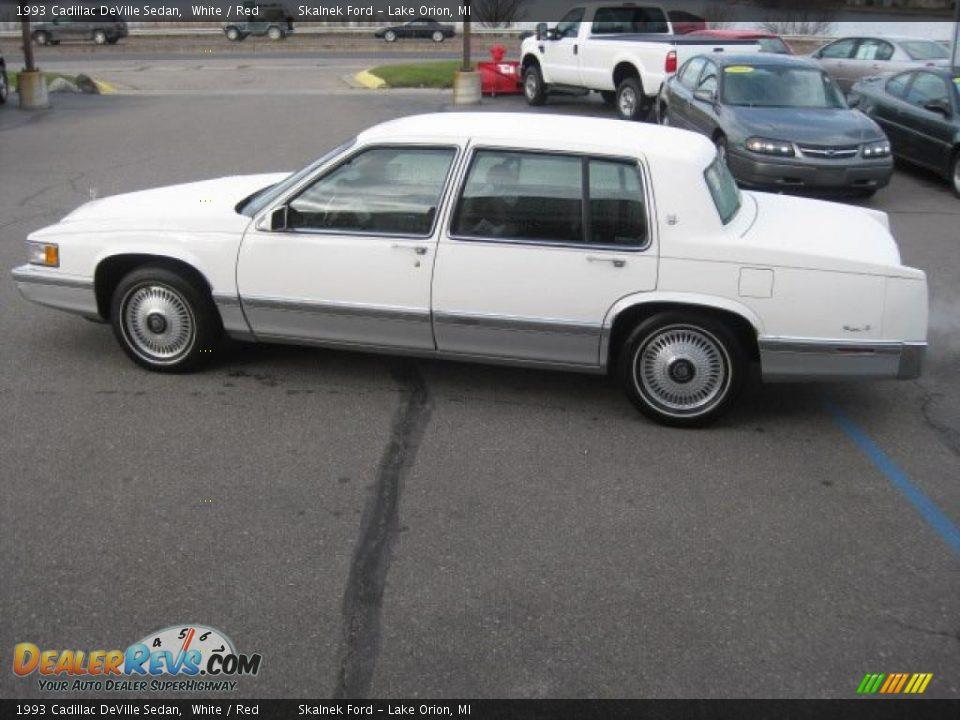 1993 Cadillac Deville Sedan White Red Photo 4
