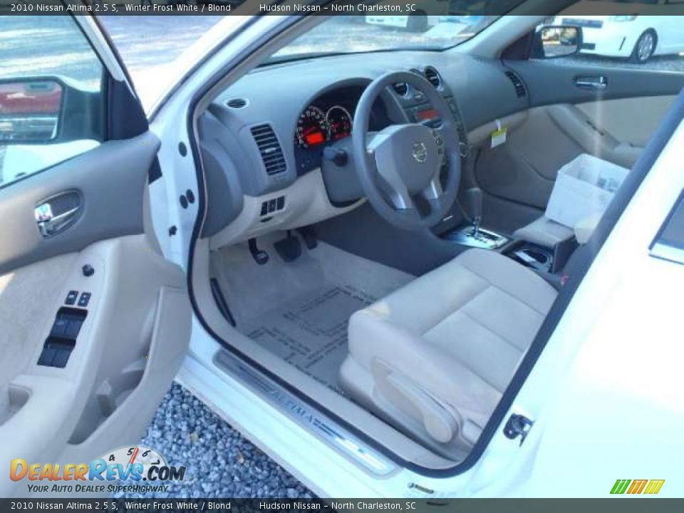 Blond Interior 2010 Nissan Altima 2 5 S Photo 5