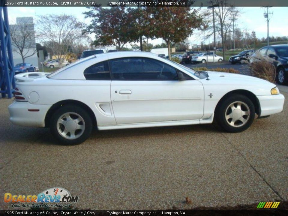 1995 Ford Mustang V6 Coupe Crystal White Gray Photo 7