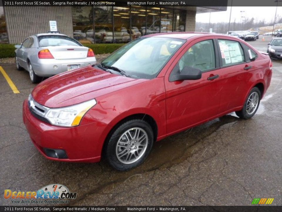 2011 ford focus se sedan sangria red metallic medium stone photo 8