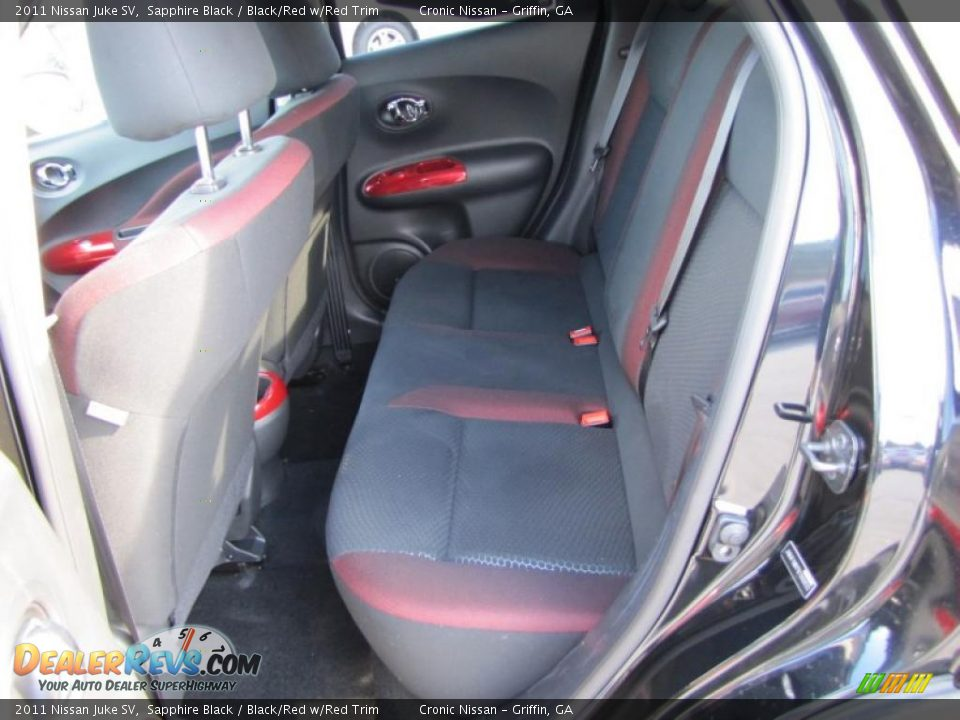 black red w red trim interior 2011 nissan juke sv photo 10. Black Bedroom Furniture Sets. Home Design Ideas