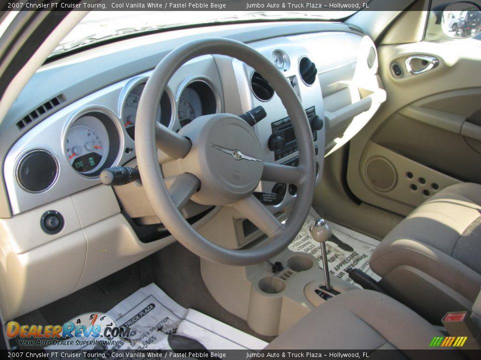 pastel pebble beige interior 2007 chrysler pt cruiser. Black Bedroom Furniture Sets. Home Design Ideas