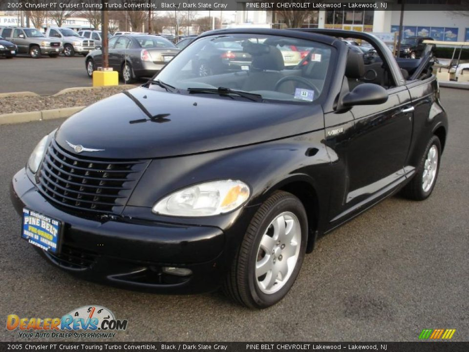 front 3 4 view of 2005 chrysler pt cruiser touring turbo. Black Bedroom Furniture Sets. Home Design Ideas