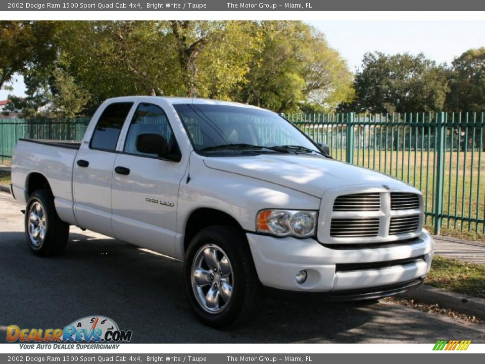 2002 dodge ram 1500 sport quad cab 4x4 bright white taupe photo 14. Black Bedroom Furniture Sets. Home Design Ideas