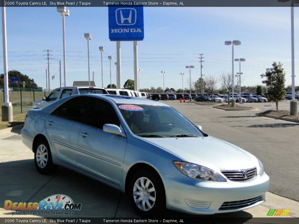 2006 toyota camry le sky blue pearl taupe photo 2. Black Bedroom Furniture Sets. Home Design Ideas