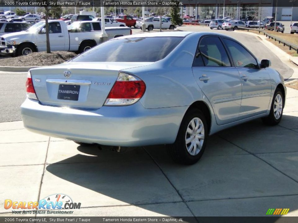 2006 toyota camry le sky blue pearl taupe photo 5. Black Bedroom Furniture Sets. Home Design Ideas