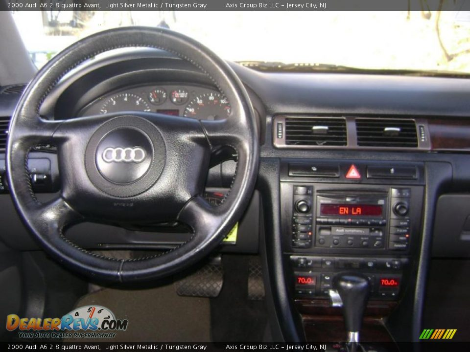 Dashboard Of 2000 Audi A6 2 8 Quattro Avant Photo 18