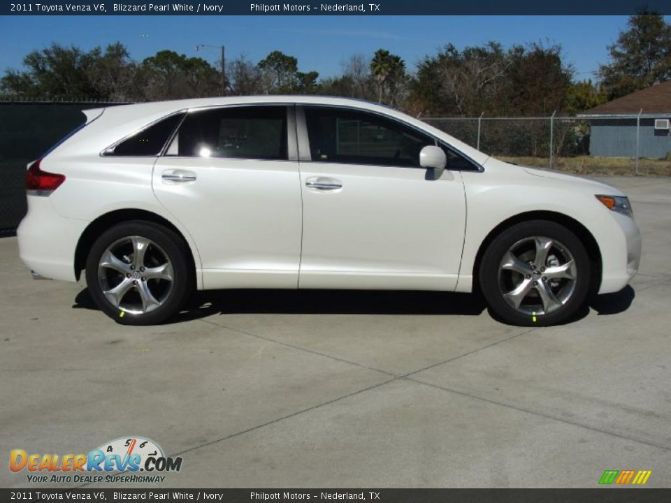 2011 toyota venza v6 blizzard pearl white ivory photo 2. Black Bedroom Furniture Sets. Home Design Ideas