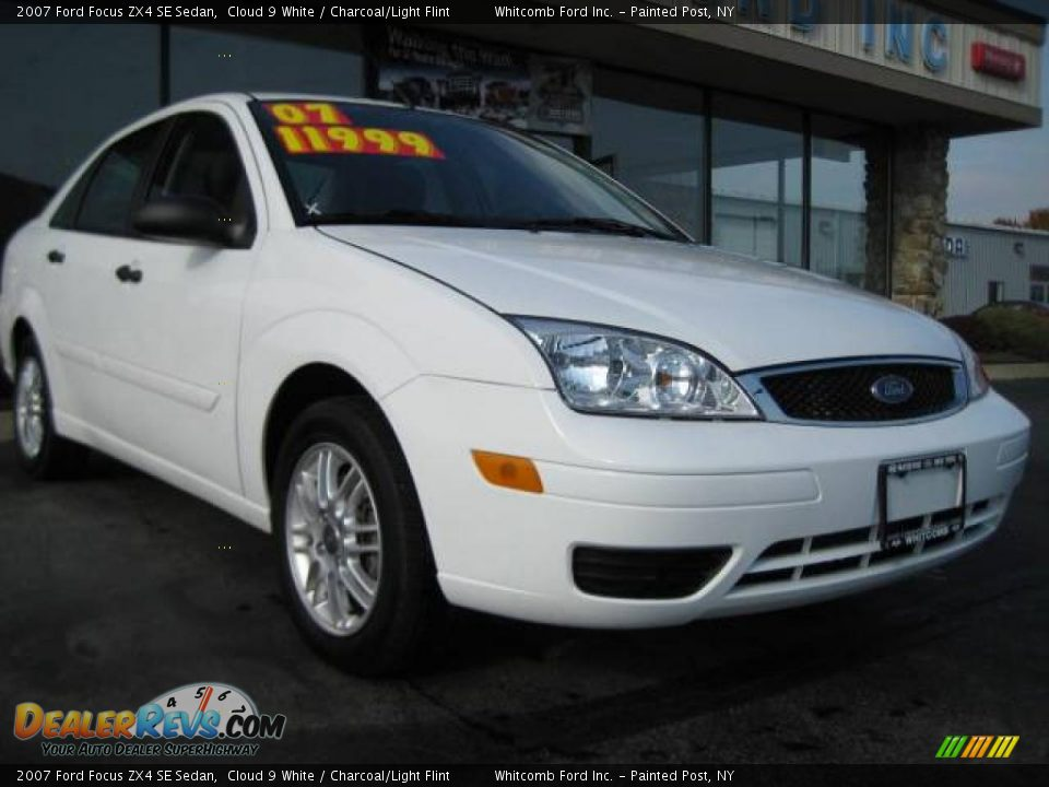 2007 ford focus zx4 se sedan cloud 9 white charcoal. Black Bedroom Furniture Sets. Home Design Ideas