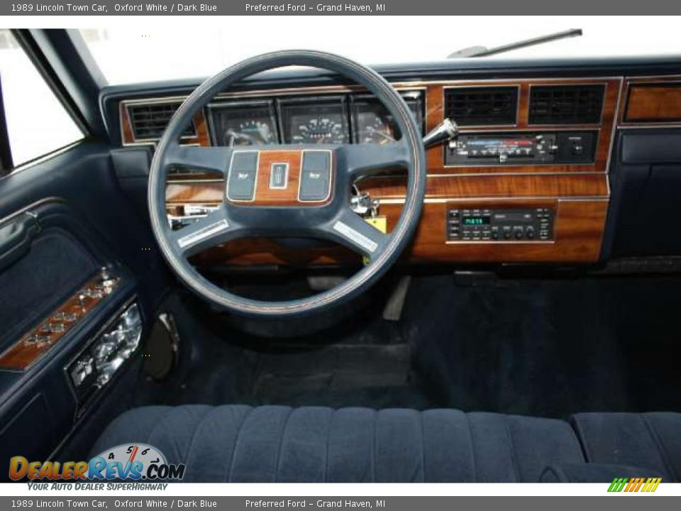 dark blue interior 1989 lincoln town car photo 8. Black Bedroom Furniture Sets. Home Design Ideas