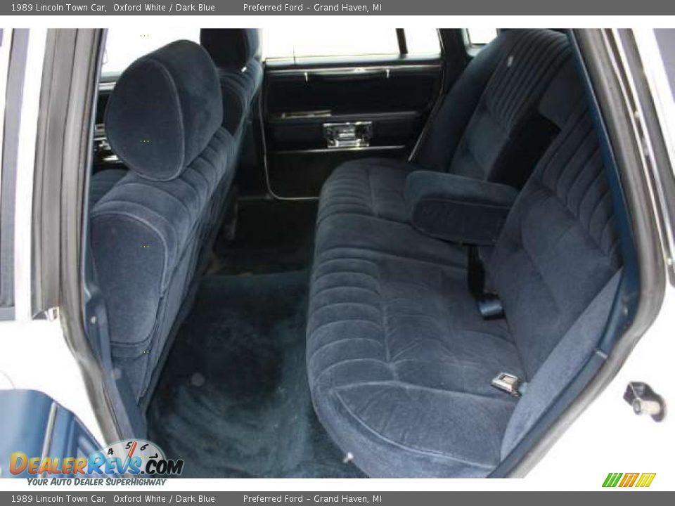 dark blue interior 1989 lincoln town car photo 17. Black Bedroom Furniture Sets. Home Design Ideas
