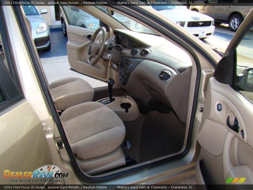 Medium Pebble Interior 2001 Ford Focus Se Sedan Photo 13