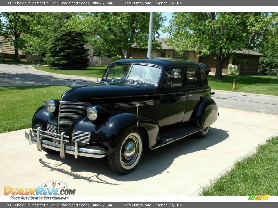 1939 chevrolet master deluxe 4 door sport sedan black for 1939 chevy 2 door sedan