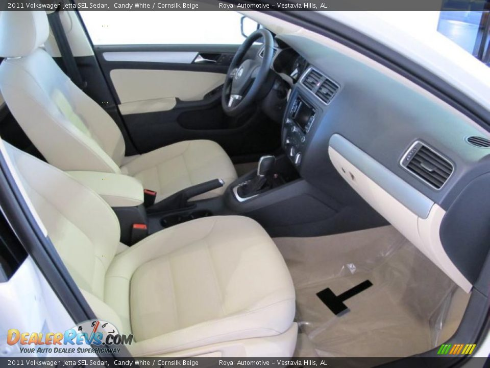 Cornsilk Beige Interior 2011 Volkswagen Jetta Sel Sedan Photo 10