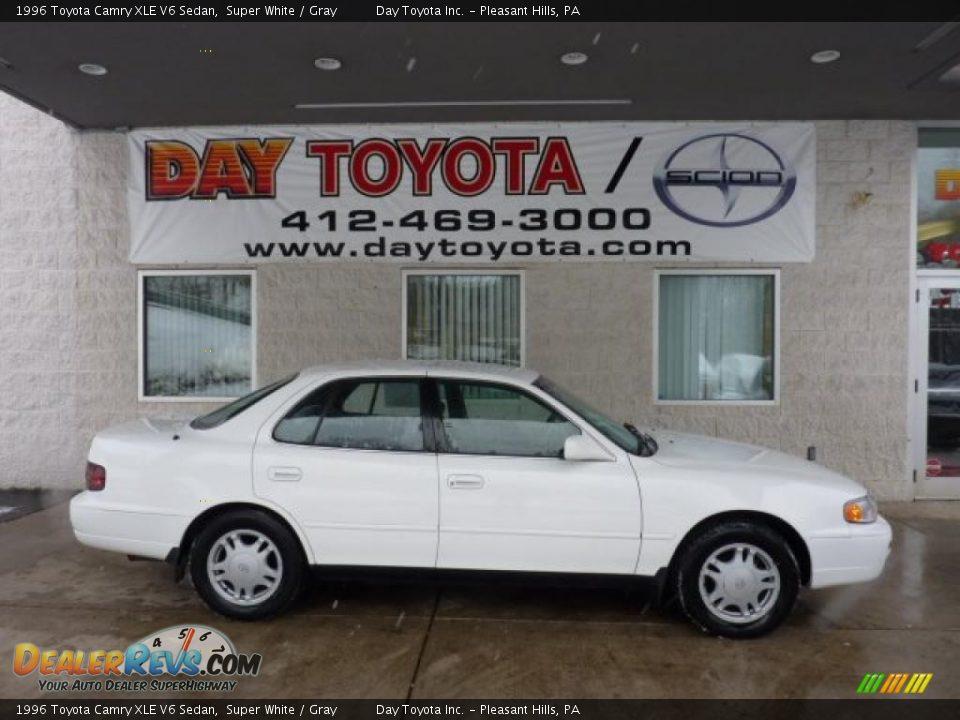 1996 toyota camry xle v6 sedan super white gray photo 1 dealerrevs com dealerrevs com