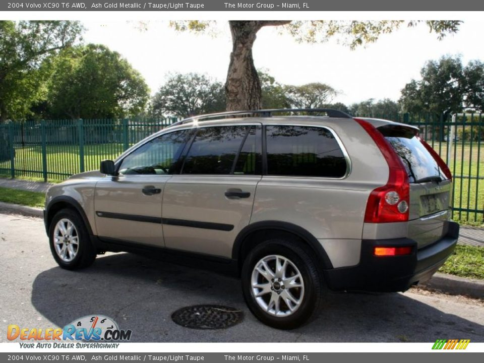 2004 volvo xc90 t6 awd ash gold metallic taupe light taupe photo 6. Black Bedroom Furniture Sets. Home Design Ideas