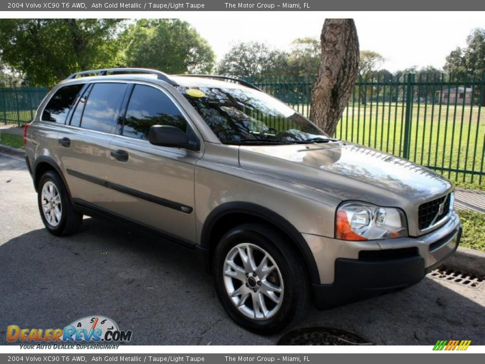 2004 volvo xc90 t6 awd ash gold metallic taupe light taupe photo 17. Black Bedroom Furniture Sets. Home Design Ideas
