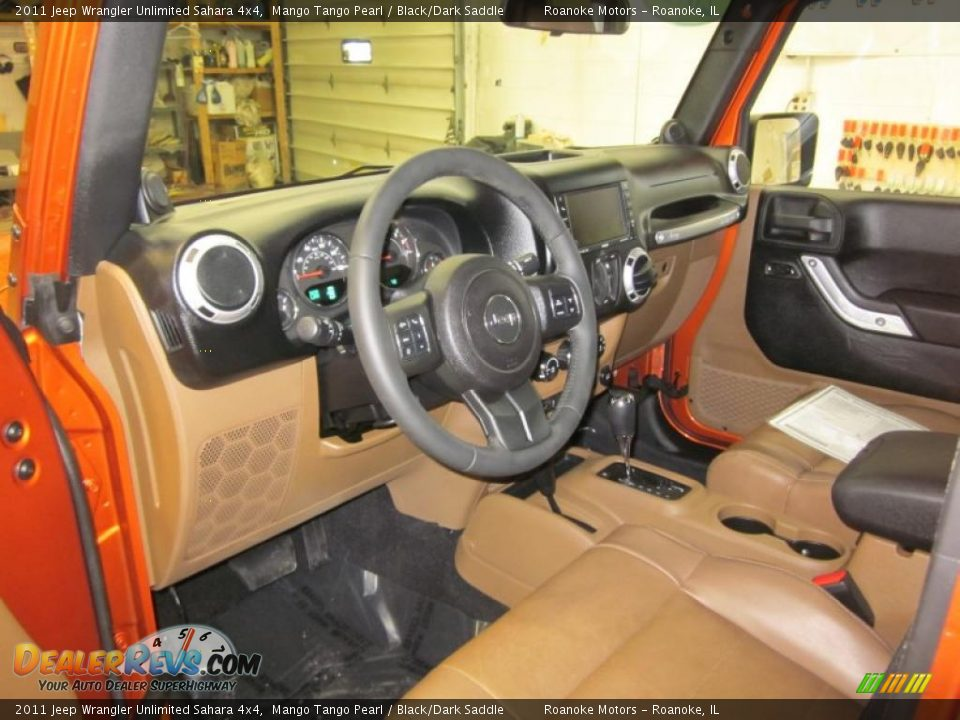 Black Dark Saddle Interior 2011 Jeep Wrangler Unlimited Sahara 4x4 Photo 7