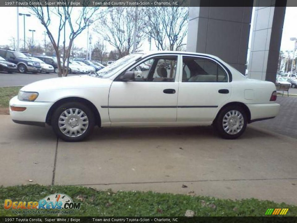 1997 Toyota Corolla Super White Beige Photo 18