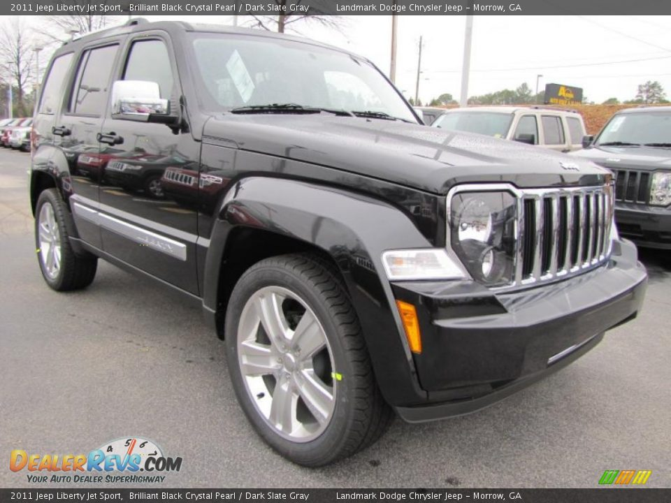 front 3 4 view of 2011 jeep liberty jet sport photo 4. Black Bedroom Furniture Sets. Home Design Ideas