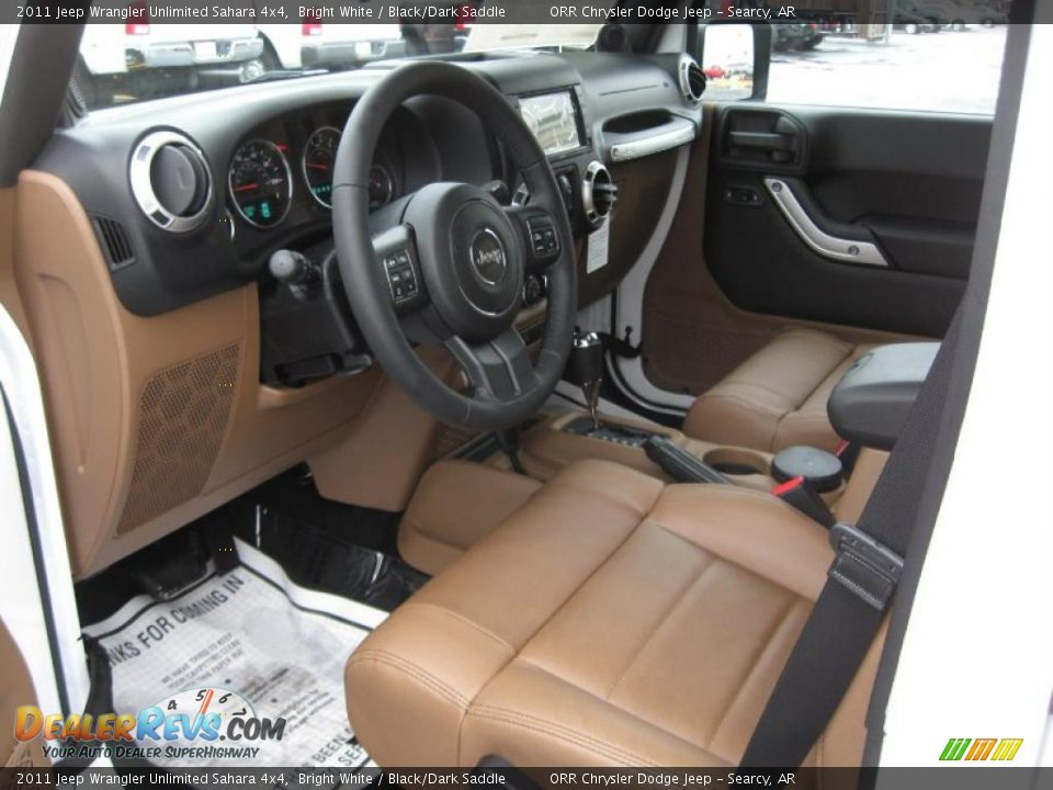 Black Dark Saddle Interior 2011 Jeep Wrangler Unlimited Sahara 4x4 Photo 11