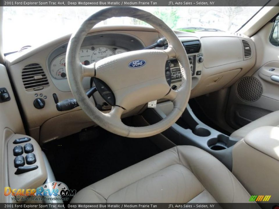 Medium Prairie Tan Interior 2001 Ford Explorer Sport Trac 4x4 Photo 13