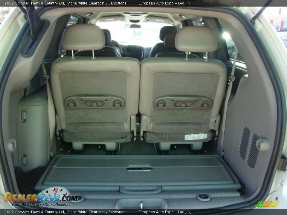 2002 chrysler town country lxi trunk photo 18. Black Bedroom Furniture Sets. Home Design Ideas