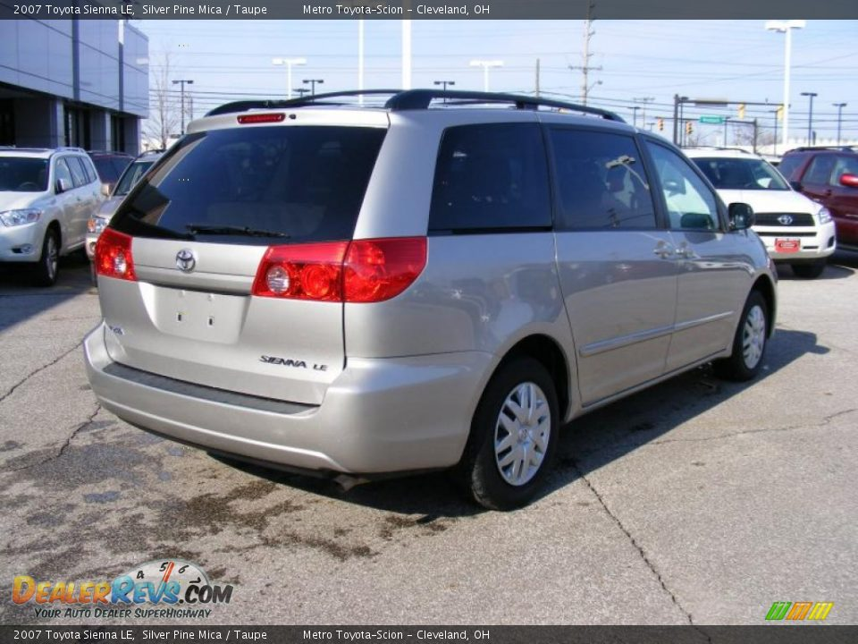 2007 Toyota Sienna Le Silver Pine Mica Taupe Photo 3