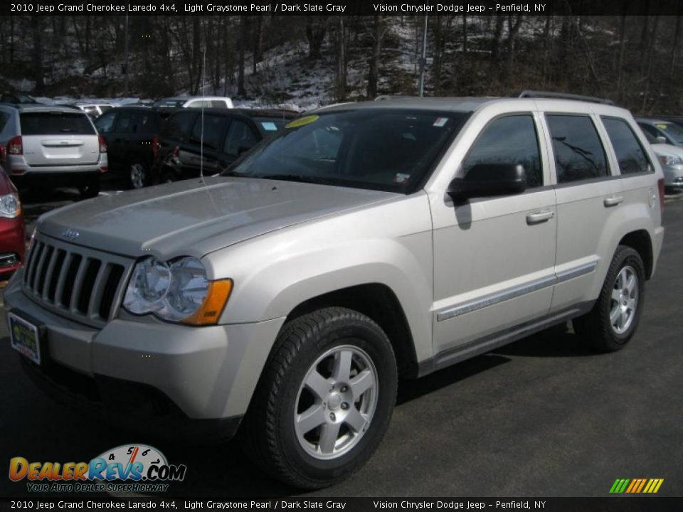 2010 jeep grand cherokee laredo 4x4 light graystone pearl. Black Bedroom Furniture Sets. Home Design Ideas