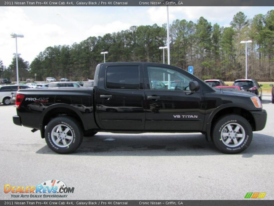 2011 nissan titan pro 4x crew cab 4x4 galaxy black pro 4x charcoal photo 6. Black Bedroom Furniture Sets. Home Design Ideas