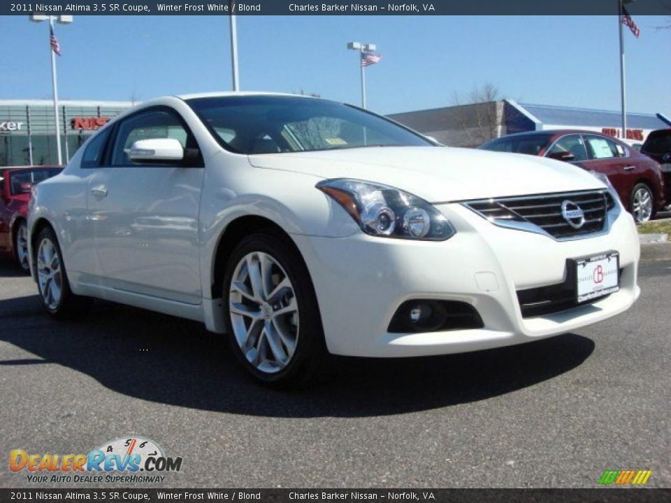 2011 nissan altima 3 5 sr coupe winter frost white blond photo 1. Black Bedroom Furniture Sets. Home Design Ideas