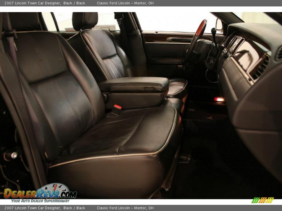 black interior 2007 lincoln town car designer photo 15. Black Bedroom Furniture Sets. Home Design Ideas