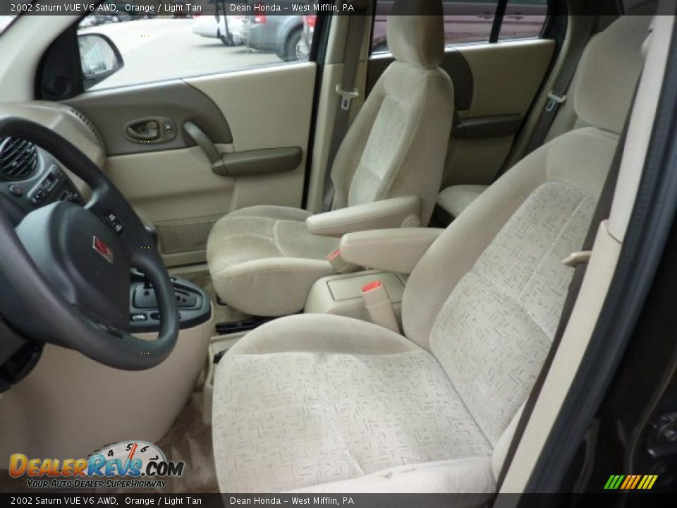 light tan interior 2002 saturn vue v6 awd photo 8. Black Bedroom Furniture Sets. Home Design Ideas