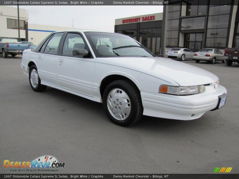 1997 oldsmobile cutlass supreme sl sedan bright white. Black Bedroom Furniture Sets. Home Design Ideas