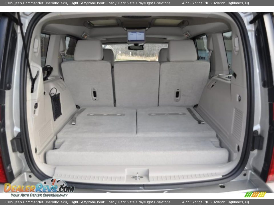 2009 jeep commander overland 4x4 trunk photo 6 dealerrevs com