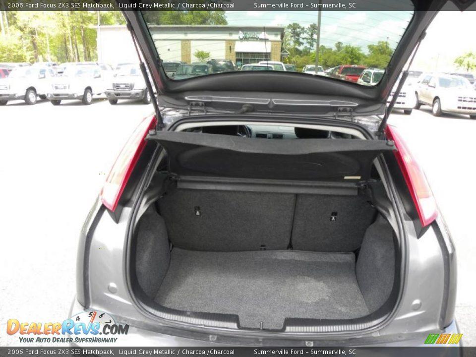2006 ford focus zx3 ses hatchback trunk photo 12. Black Bedroom Furniture Sets. Home Design Ideas
