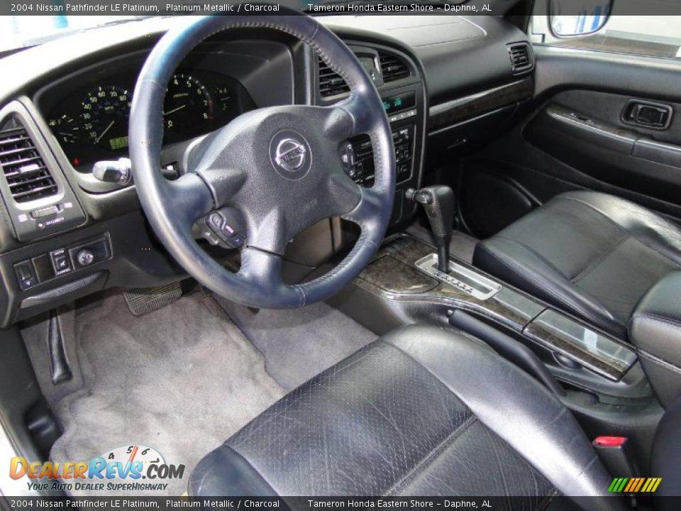 Charcoal interior 2004 nissan pathfinder le platinum photo 13 for 2004 nissan pathfinder interior