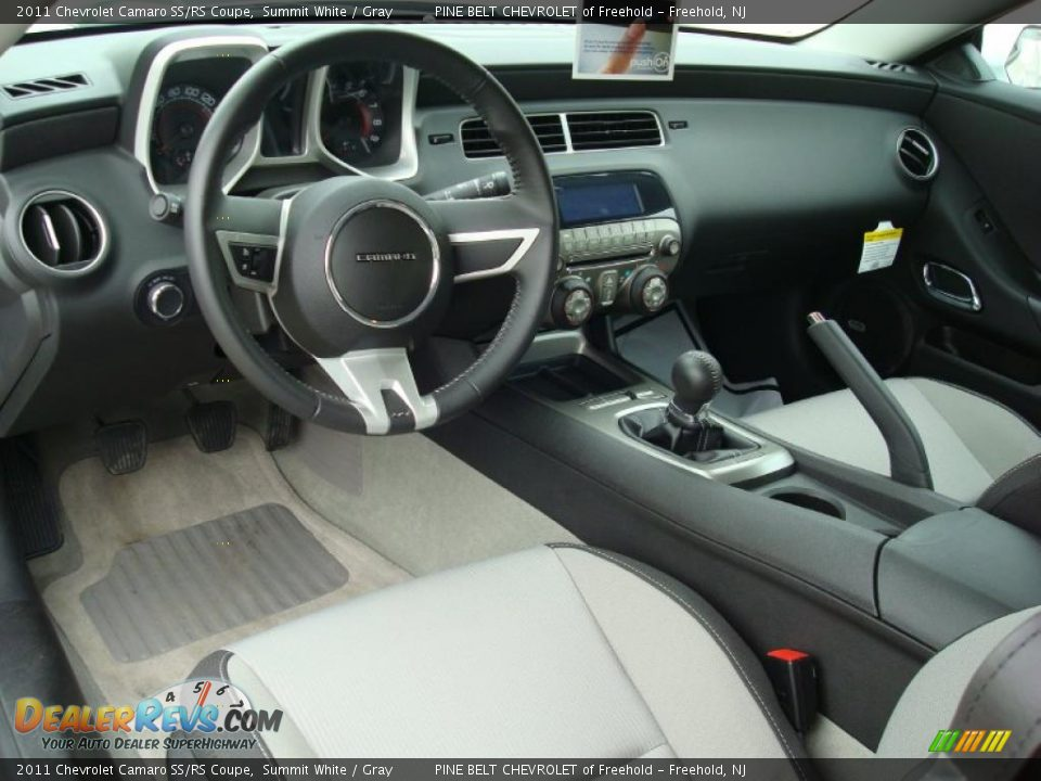 gray interior 2011 chevrolet camaro ss rs coupe photo 4. Black Bedroom Furniture Sets. Home Design Ideas